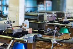 Mécanisme industriel de filtre de cartouche à l'établissement vinicole images stock