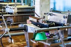 Mécanisme industriel de filtre de cartouche à l'établissement vinicole photographie stock
