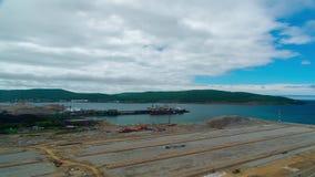 Mécanismes d'opération dans le port maritime banque de vidéos