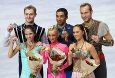Médaillés dans le patinage de paires Photographie stock libre de droits