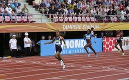 Médaille d'or de victoire d'Inde de HIMA DAS dans 400 metrs sur le championnat du monde U20 d'IAAF à Tampere, Finlande le 12 juil images libres de droits