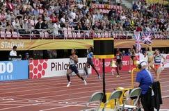 Médaille d'or de victoire d'Inde de HIMA DAS dans 400 metrs sur le championnat du monde U20 d'IAAF à Tampere, Finlande le 12 juil photos stock