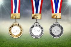 Médailles d'or, argentées et de bronze avec des bandes image libre de droits