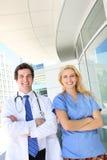 Médecin et infirmière à l'hôpital photographie stock libre de droits