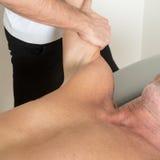 Médecine parallèle avec le traitement de bras Photographie stock