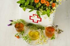 Médecine parallèle Thérapie de fines herbes photo stock