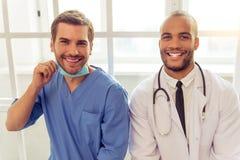 Médecins beaux Image stock