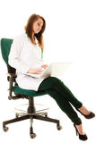médical Docteur de femme travaillant sur l'ordinateur portable d'ordinateur photos stock