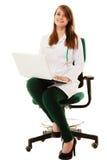 médical Docteur de femme travaillant sur l'ordinateur portable d'ordinateur Photos libres de droits