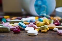 Médicament et médecines pharmaceutiques photographie stock