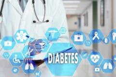 Médico com estetoscópio e ícone do diabetes na conexão de rede médica na tela virtual no hospital imagem de stock royalty free