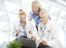 Médico Consultation Imágenes de archivo libres de regalías