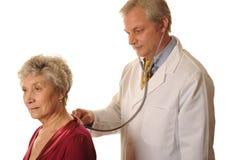 Médico de hospital con el paciente Fotografía de archivo libre de regalías
