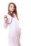 médico Doutor da mulher no revestimento do laboratório com estetoscópio Imagens de Stock