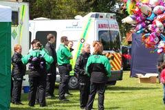 Médicos de la ambulancia de St Johns. Imágenes de archivo libres de regalías