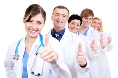 Médicos que dão o thumbs-up Foto de Stock Royalty Free