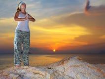 Méditation au temps de coucher du soleil Images libres de droits