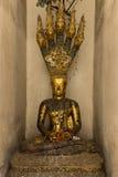 Méditation de Bouddha au-dessus de naga Photo libre de droits
