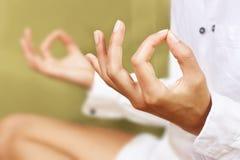 Méditation de yoga photographie stock libre de droits