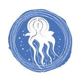 Méduses d'emblème de mer sur la tache tirée par la main bleue Affiche typographique de voyage de vecteur signe d'été, expression, Images stock