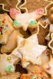 Mélange coloré des biscuits de Noël Image libre de droits