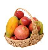Mélange de fruit dans le panier Photographie stock libre de droits