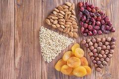 Mélange des écrous, fruits secs image stock