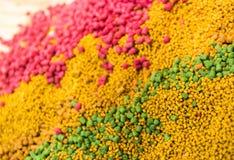 Mélange des amorces de carpe Boules et granule de protéine Images stock