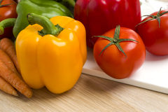 Mélange des légumes sur la salade Photos stock