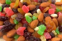 Mélange et fruits secs d'écrou photographie stock libre de droits