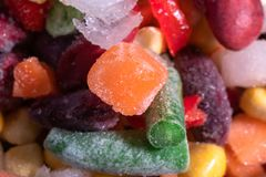Mélange fait maison des légumes congelés, macro fond en gros plan photo stock