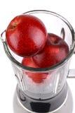 Mélangeur avec la pomme photographie stock