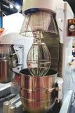 Mélangeur de la pâte utilisé dans la production de la boulangerie photographie stock