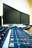 Mélangeur et PC sonores Photographie stock