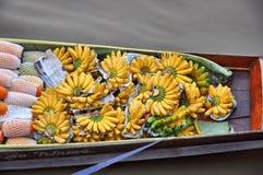 Mémoire de bateau beaucoup banane Images libres de droits