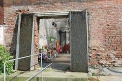 Mémorial d'école de Beslan, où l'attaque terroriste était en 2004 Photos libres de droits