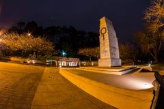 Mémorial de guerre la nuit Photo stock