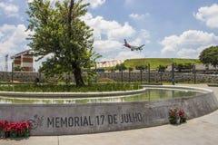 Mémorial du 17 juillet (vol 3054) - São Paulo Photos stock