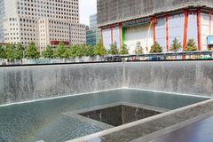 9/11 mémorial New York Fontaine honoré Photographie stock