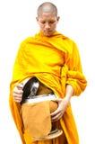 Mérite bouddhiste. cuvette d'aumône du moine s images stock