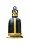 Métal antique Bell accrochant sur le fond blanc Photographie stock libre de droits