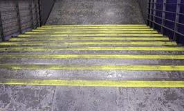 Métal d'escaliers de ciment Images stock