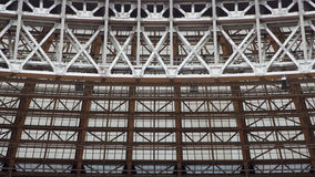 Métal et structure de intersection en verre Photos libres de droits