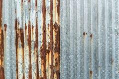 Métal ondulé rouillé Images stock