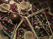Métier fabriqué à la main d'art fait avec des perles et des objets Photos libres de droits