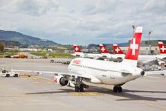 Métiers de l'air du SUISSE à l'aéroport 5 de Zurich Images libres de droits