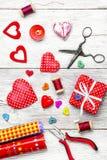 Métiers pour le jour du ` s de Valentine Photos stock