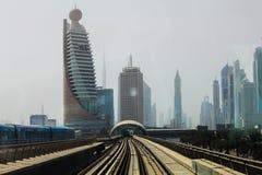 Métro de Dubaï en tant que plus long réseau entièrement automatisé de la métro du monde (75 Photo stock