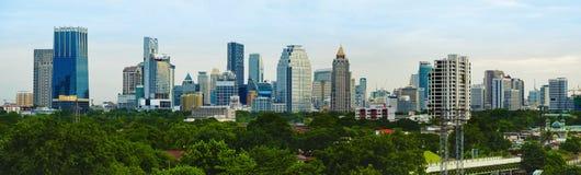 Métropole de soirée de panorama - Bangkok image stock
