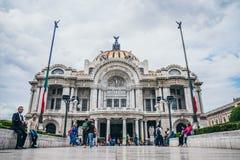 MÉXICO - 20 DE SEPTIEMBRE: Vista delantera del palacio de bellas arte Fotografía de archivo